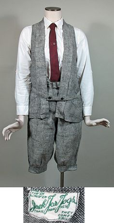 1920's Woman's Vintage Black & White Linen Vest & Golf Knickers Set By Jack Tar Togs