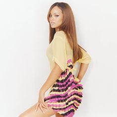 RIHANNA i love her hair long