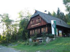Mariahofer Vogelschutzwarte am Furtnerteich Style At Home, Austria, Cabin, House Styles, Home Decor, Communities Unit, Decoration Home, Room Decor, Cabins