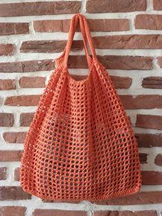 Crochet Clutch, Crochet Handbags, Filet Crochet, Love Crochet, Knit Crochet, What Is Knitting, Yarn Thread, Boho Bags, Crochet Stitches Patterns
