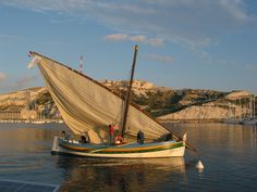 Latin-rigged  boat off IIe de Frioul, Provence. France