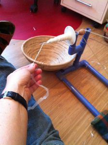Diy Projects To Try, Crafts To Make, Diy Crafts, Rope Crafts, Recycled Crafts, Recycling, Spinning Yarn, Spinning Wheels, Drop Spindle