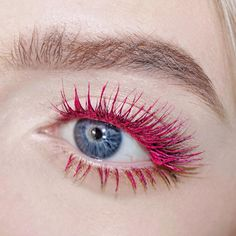 Lash Focus. @yslbeauty Pink Mascara Vinyl Couture + @velourlashesofficial in Flash It. Check out my last photo to see the full look and more product info! - @leighdicksonartistry