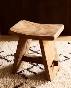 Zara Home New Collection Woodworking Furniture, Wooden Furniture, Furniture Projects, Cool Furniture, Woodworking Projects, Furniture Design, Furniture Outlet, Discount Furniture, Wooden Stool Designs