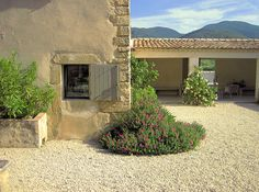 A charming holiday rental in the luberon (Provence - south France)