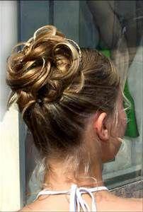 haute Coiffure cheveux longs - Joli chignon en boucles