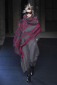 Issey Miyake, Autunno/Inverno 2018, Parigi, Womenswear