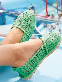 GratisanleitungEspadrilles - der Schuh des Sommers! Gestalten Sie Ihr Lieblingsmodell einfach selbst. Diese einfache Strickanleitung hilft