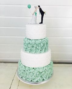 Ideas wedding cakes ideas beautiful for 2019 Mint Wedding Cake, Wedding Mint Green, Fall Wedding Cakes, Beautiful Wedding Cakes, Gorgeous Cakes, Wedding Cake Designs, Wedding Cake Toppers, Wedding Ideas, Wedding Goals