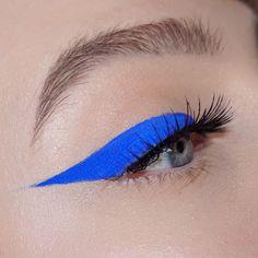 Eyeliner Hacks, No Eyeliner Makeup, Eyeshadow, Eyeliner Ideas, Makeup Inspo, Makeup Art, Makeup Inspiration, Beauty Makeup, Hair Makeup