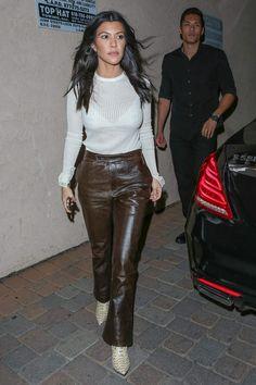 Kourtney Kardashion, Snake Boots, Wear Red, Jenner Style, Kardashian Jenner, Jenners, Issa, Leather Pants, Tee Shirts