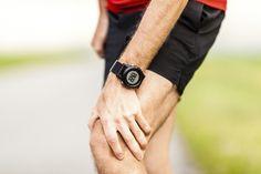 Bei Knieschmerzen greifen viele schnell zur Schmerztablette. Lieber diese Hausmittel ausprobieren!