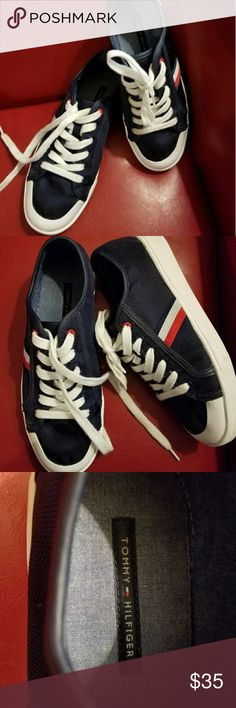 TH NAVY CANVAS SNEAKERS Cute TOMMY Hilfiger sneakers in very good condition. Tommy Hilfiger Shoes Sneakers