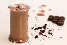 chocolate Milk Shake recipes: Milk Shakes Are great on a Hot Summer day! Hot Chocolate Recipes, Menta Chocolate, Chocolate Slim, Cocoa Chocolate, Healthy Chocolate, Chocolate Coffee, Chocolate Cookies, Chocolate Cheese, Smoothie Recipes