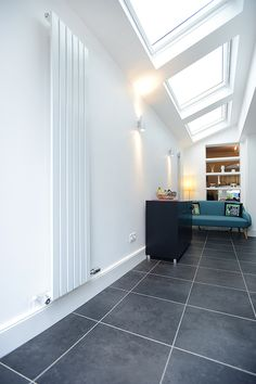 Hire interior designers and builders London for loft conversions and house extensions, such as side return kitchen extensions for Victorian terraced houses. Get an instant online quote and see how you can benefit from a side return extension. Kitchen Extension Side Return, London Home Decor, Rear Extension, Extension Ideas, Fibreglass Roof, Loft Room, London House, Roof Light, Living Room Flooring