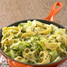 Bandnudeln mit Spitzkohl Tagliatelle with pointed cabbage – [FOOD AND DRINKS] No related posts. Go Veggie, Veggie Recipes, Pasta Recipes, Vegetarian Recipes, Dinner Recipes, Healthy Recipes, Easy Casserole Recipes, Casserole Dishes, Pasta Dishes