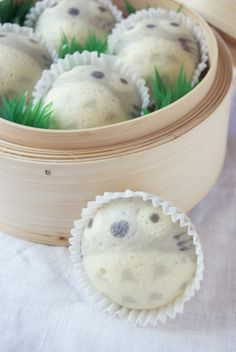 Totoro Steamed Cupcakes