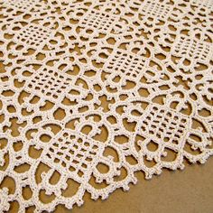 Venetian Square ~ free crochet pattern  The actualy pattern is found here:  http://crochet.about.com/library/n061999.htm