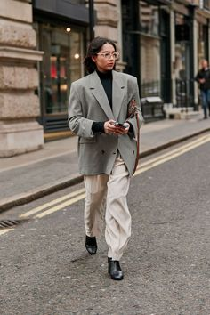 The Latest Street Style From London Fashion Week Autumn Street Style, Street Style Women, Fashion Week, Winter Fashion, Fashion Trends, Mode Dope, Looks Style, My Style, French Style