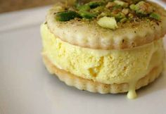 Saffron Ice Cream | 20 Persian Foods To Blow Your Taste Buds Away