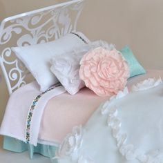 Whisper White Sheet Set for Blythe 1 6 scale by PistachioLibby, $14.00
