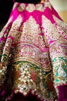 Amazing details on this beautiful bridal lehenga for a wedding reception! #gold #details #lehenga #indian #beautiful