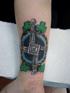 1000 images about brigid 39 s cross on pinterest crosses st brigid and cool cross tattoos. Black Bedroom Furniture Sets. Home Design Ideas