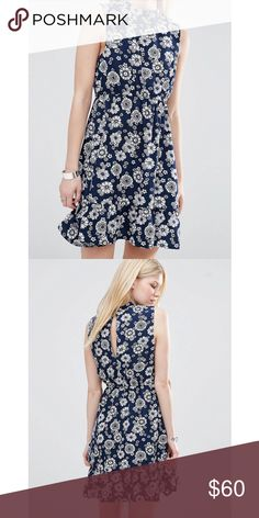 Iska Highneck Daisy Dress NWT 100% polyester Dresses