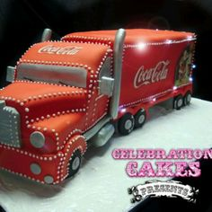18 wheeler truck, coca cola cake with working lights,, awesome job! Coke Cake, Coca Cola Cake, Unique Cakes, Creative Cakes, Crazy Cakes, Fancy Cakes, Amazing Cakes, Beautiful Cakes, Always Coca Cola