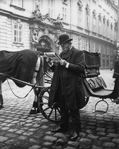Extraordinary Candid Vintage Photographs That Capture Street Scenes of Vienna, Austria From the and ~ vintage everyday Old Pictures, Old Photos, Vintage Photographs, Vintage Photos, Good Old Times, Cultural, Kaiser, Historical Pictures, Vintage Postcards