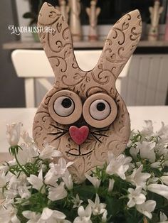 Most recent Photo easter pottery ideas Thoughts Hase keramik Pottery Painting Designs, Pottery Designs, Pottery Ideas, Hand Built Pottery, Slab Pottery, Ceramic Decor, Ceramic Art, Cerámica Ideas, Slab Ceramics