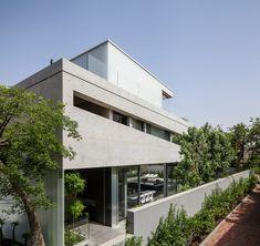 Galeria de Um Corte Concreto / Pitsou Kedem Architects - 17