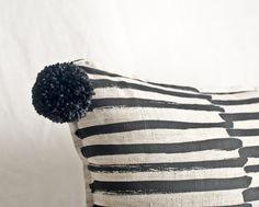 #details #pompom #wool #stripe http://boutiquemarikagiacintiparis.bigcartel.com/product/gent