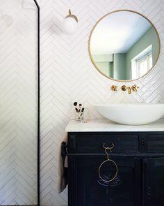 Art Nouveau Interior, Water Bungalow, Black White Bathrooms, Art Deco Bathroom, Upstairs Bathrooms, Art Deco Fashion, Attic Conversion, House, Furniture
