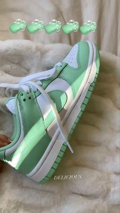 Dr Shoes, Cute Nike Shoes, Swag Shoes, Cute Nikes, Cute Sneakers, Nike Air Shoes, Hype Shoes, Shoes Sneakers, Green Nike Shoes