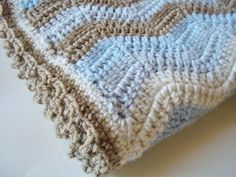 Little blue baby afghan- love the colors. EXCELLENT ripple pattern tutorial!!