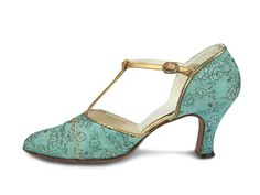 Light blue silk T-strap Spanish heels shoes.    USA. 1926-28 would look exquisite with #VeroniqueMangaBell aquamarine swing dress.