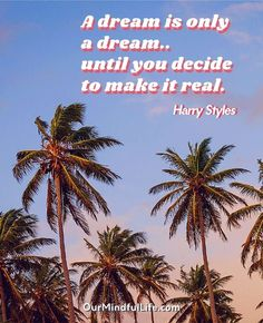 If you only know him by and Sign Of The Times, these Harry Styles quotes will show you a different side of this talented English singer and songwriter. Harry Styles Quotes, Harry Styles Tattoos, Harry Styles Mode, Harry Styles Pictures, Quotes With Pictures, Sign Of The Times Harry Styles, Inspiring Pictures, Motivacional Quotes, Dream Quotes