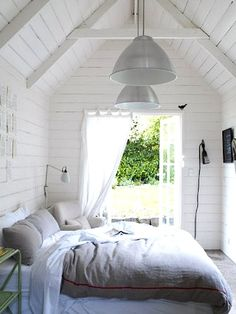 Check Out 37 Impressive White Bedroom Design Ideas. White is a Royal color – it's the color of purity and beauty. A white bedroom looks relaxing, inviting and calm, it's like sleeping on a cloud. Dream Bedroom, Home Bedroom, Bedroom Decor, Master Bedroom, Outdoor Bedroom, Airy Bedroom, Bedroom Ideas, Calm Bedroom, Garden Bedroom
