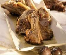 Receta Chuletitas de cordero con picada de avellanas y nueces por Thermomix Magazine
