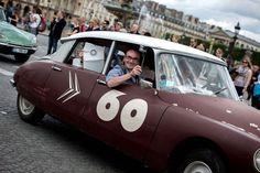 La Citroën DS défile pour ses 60 ans. 700 Citroën DS gathered Sunday in the center of Paris to celebrate 60 years of this iconic car conquering France.  Director: Aurélie Delaunoy