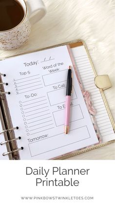 Daily Calendar Printable Classic Planner Insert is part of Planner Organization Calendar - So many daily todos and so little time! Keep all your tasks and assignments in one place with this handy, daily calendar printable! Planner Bullet Journal, Diary Planner, Goals Planner, Life Planner, Weekly Planner, Planner Diy, Planner Ideas, 2015 Planner, College Planner