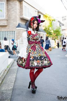 Gothic Lolita fashion with Metamorphose Temps de Fille shirt and jumper skirt