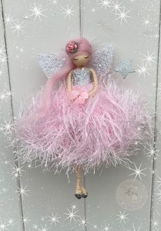 Beaded Christmas Ornaments, Christmas Fairy, Christmas Deco, Christmas Angels, Diy Crafts For Home Decor, Christmas Crafts, Fairy Crafts, Clothespin Dolls, Fairy Wings