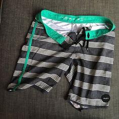 e460a0712a RVCA Men s Board Shorts Like New sz 32 RVCA Men s Board Shorts in great  condition size