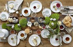 schlichte Tischdeko für Ostern mit Moos