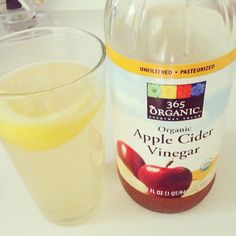 ACV for + clear skin (look for one with 'the mother' included) Smoothie Detox, Juice Smoothie, Healthy Detox, Healthy Smoothies, Apple Cider Vinegar For Skin, Clear Skin Tips, Fat Burning Detox Drinks, Acv, Health Breakfast