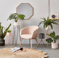 Pink has a bad rap for looking childlike, tacky, or for reminding you of antacids, but with a few styling tricks, a pink interior can go from bleak to chic. Decoration Bedroom, Living Room Remodel, Deco Design, Home Interior, Interior Ideas, Nordic Interior, Interior Doors, Luxury Living, Interior Design Inspiration