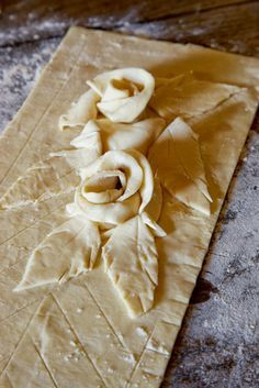 pie crust roses are easy to make