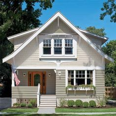 It looks like wood or masonry, wears like concrete, and survives harsh elements. Visit This Old House to learn about your best exterior option- fiber cement siding. Craftsman Cottage, Craftsman Style Homes, Craftsman Bungalows, Bungalow Homes, Craftsman Kitchen, Clapboard Siding, House Siding, Hardiplank Siding, Wood Siding